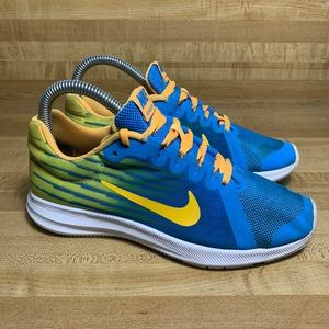 Nike running shoes AT2965-400 EUC Women's 5.5 4Y